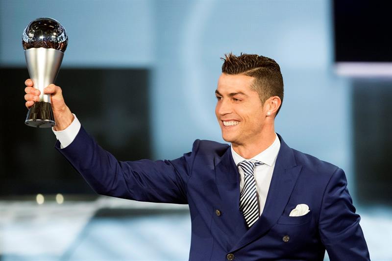 Cristiano Ronaldo se impuso a Lio Messi en los Premios de la FIFA.