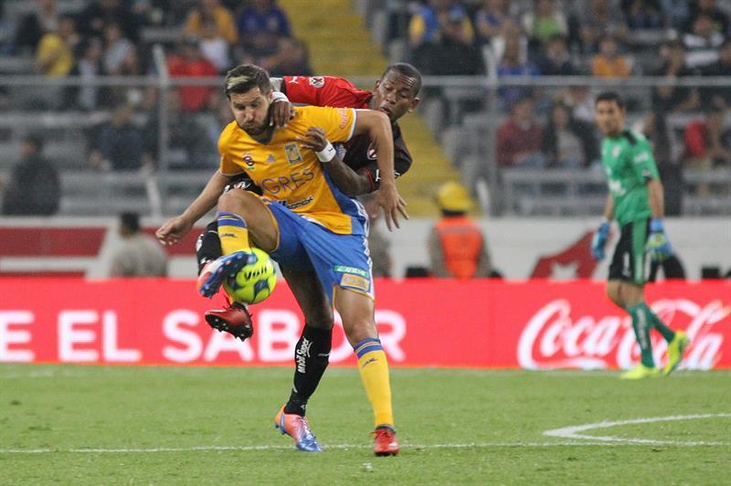 Damián Álvarez no cree posible la salida de Gignac al futbol chino