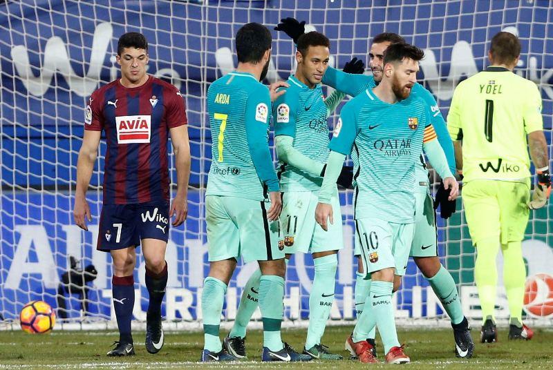 Barcelona y su tridente sudamericano hizo trizas al Eibar en su casa