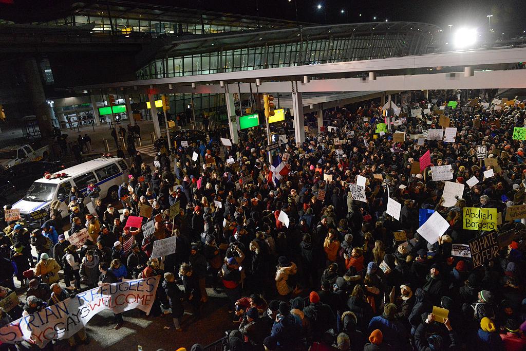 Donald Trump firmaría el lunes un nuevo decreto migratorio