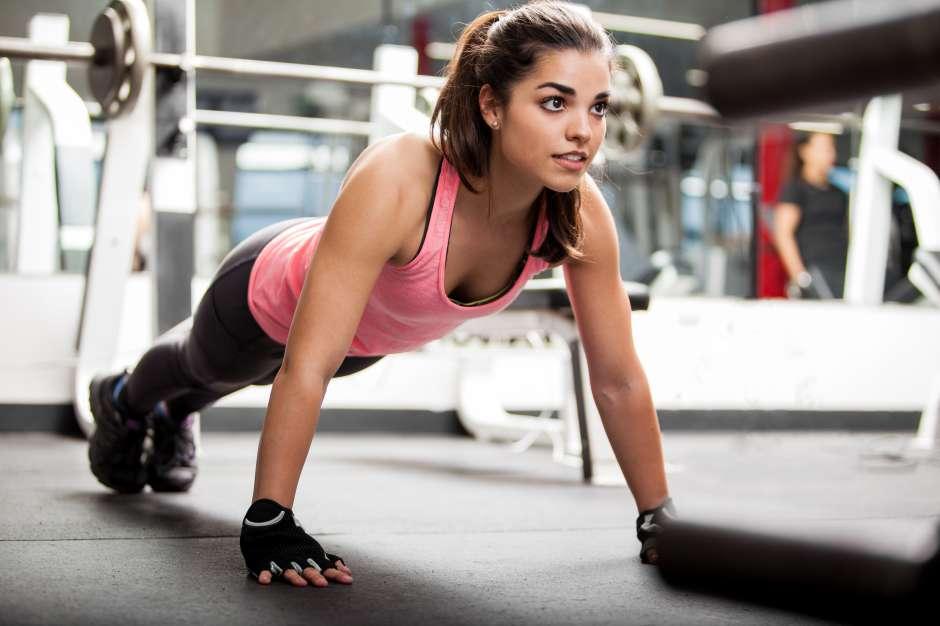 Las lagartijas son ideales para el fortalecimiento y la tonificación de los músculos.