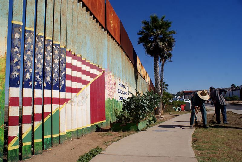 """Alcaldes de EE.UU. rechazan muro y """"crisis"""" que plantea Trump para justificarlo"""