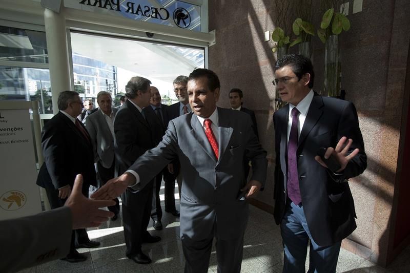 El ex mandatario veracruzano convalece en un hospital de Ciudad de México.