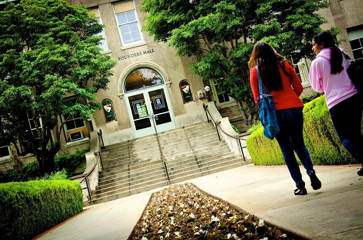 La mayoría de los estudiantes en los colegios comunitarios de California son de origen latinoamericano.