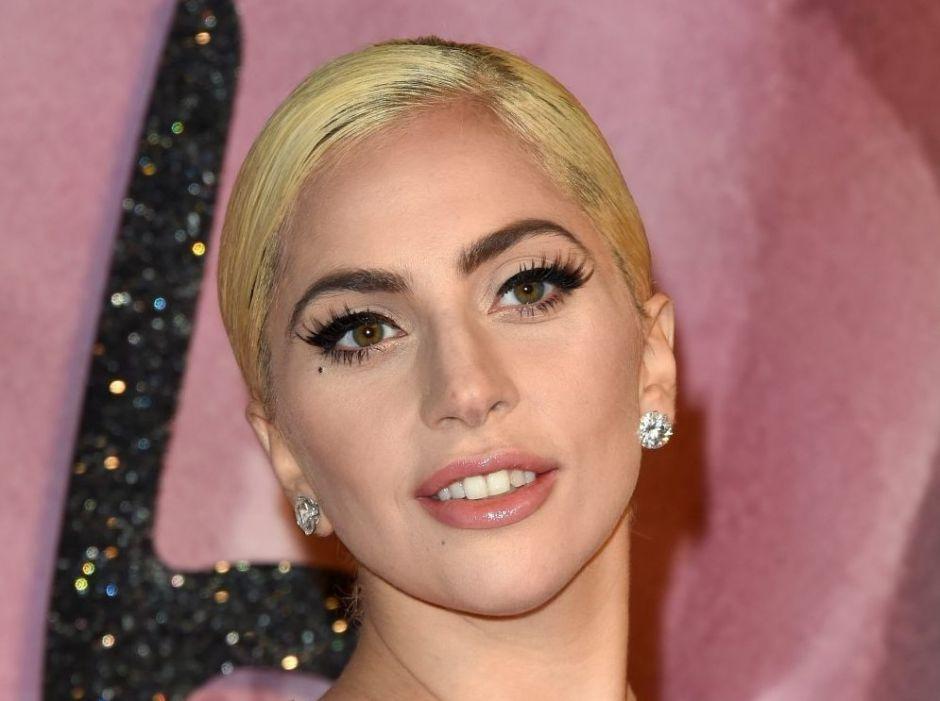 Lady Gaga lanza linea de bebidas en Starbucks