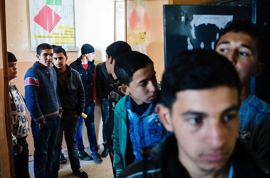 Niños de Mosul vuelven a clases tras expulsión de ISIS