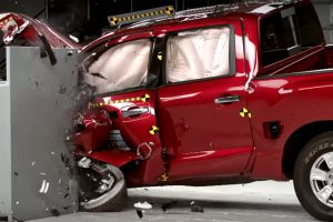 Malas calificaciones en seguridad para el Nissan Titan