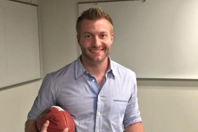 El nuevo entrenador de los Rams hace historia en la NFL por su corta edad