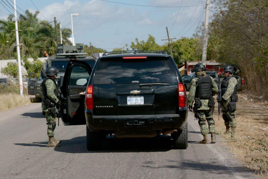 """Detienen en Sinaloa al jefe de seguridad de un hijo de """"El Chapo"""""""