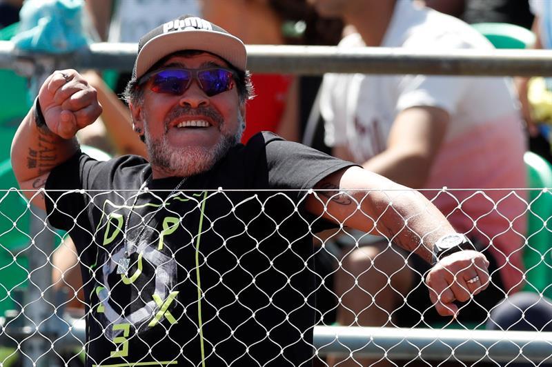 """Maradona asegura que el fútbol argentino """"está quebrado"""""""