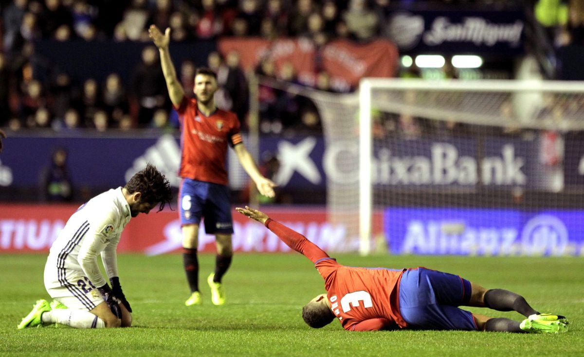 Isco le fracturó la tibia y el peroné a Tano, jugador del Osasuna.