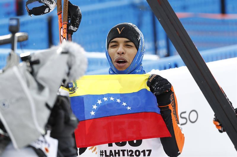 Adrián Solano, esquiador alpino de Venezuela.