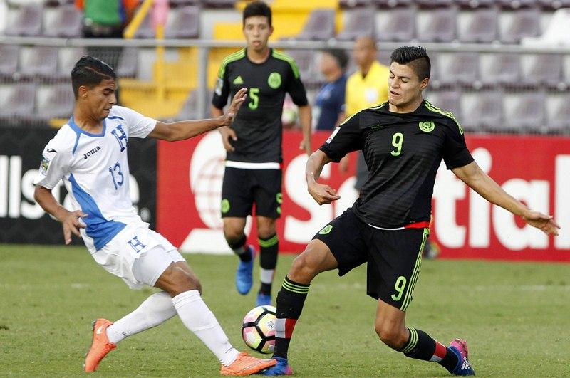 México vence por la mínima a Honduras y cierra fase de grupos con paso perfecto