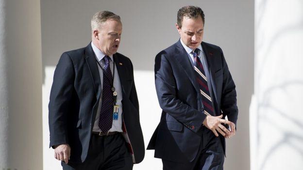 Spicer es considerado un aliado de Reince Priebus, el nuevo jefe de gabinete de la Casa Blanca.