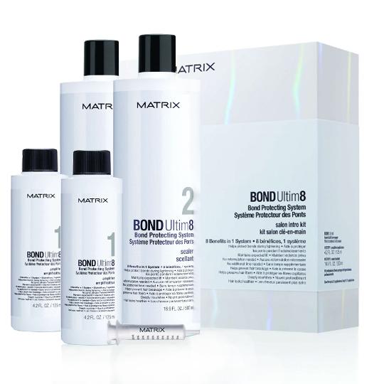De acuerdo con el estilista Robert Santana, el nuevo producto Bond Ultim8 ayuda al proceso de una decoloración o coloración más segura para la integridad de la textura natural del cabello.