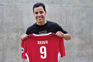 Omar Bravo jugará de nuevo en EEUU