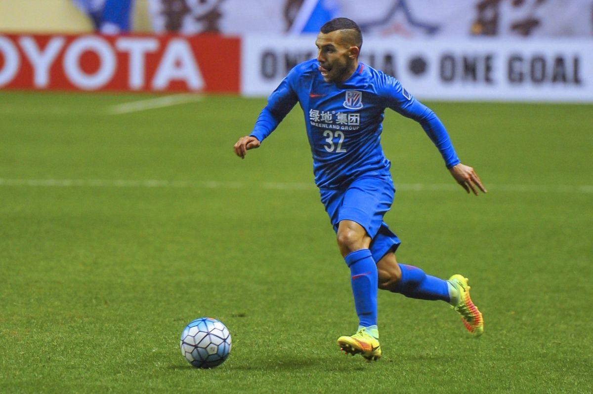 Carlos tevez debutó con derrota en su primer partido oficial con el Shenshua Shanghai.