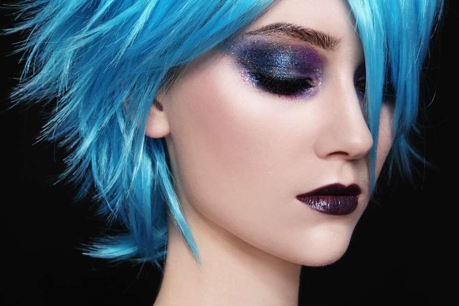 El cabello azulado seguirá vigente en el 2017.