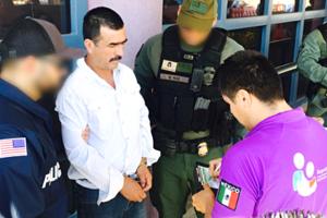 ¡Sin censura! ICE publica en Twitter foto de mexicano deportado en medio de tensión por redadas