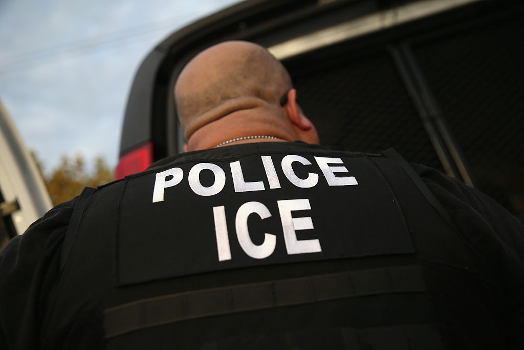 En California buscan impedir que haya redadas migratorias en el trabajo