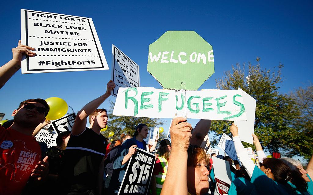 Informe revela expansión de detención y trabas para familias que piden asilo en EEUU