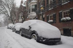 Por qué no debes precalentar tu auto en invierno