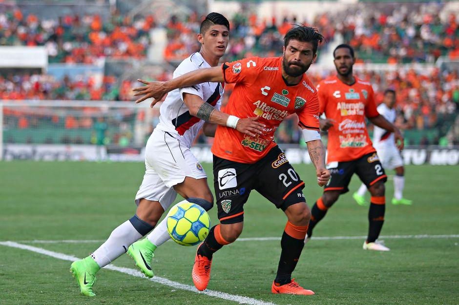 Jaguares logra darle la voltereta a Chivas