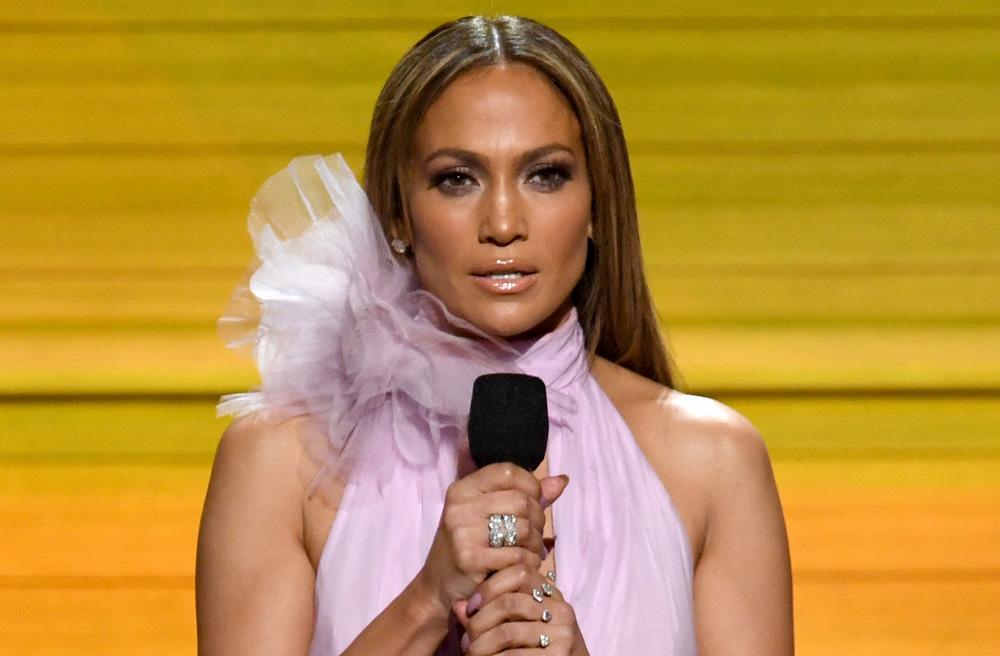 La actriz y cantante presentó en los Premios Oscar
