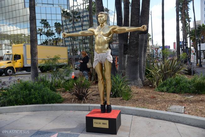 #BuenosDíasLA: Un Cristo… en la imagen de Kanye West