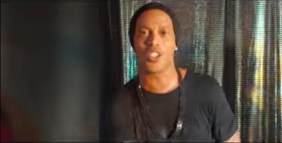 Video: Ronaldinho graba canción que combina estilo brasileño con electrónica