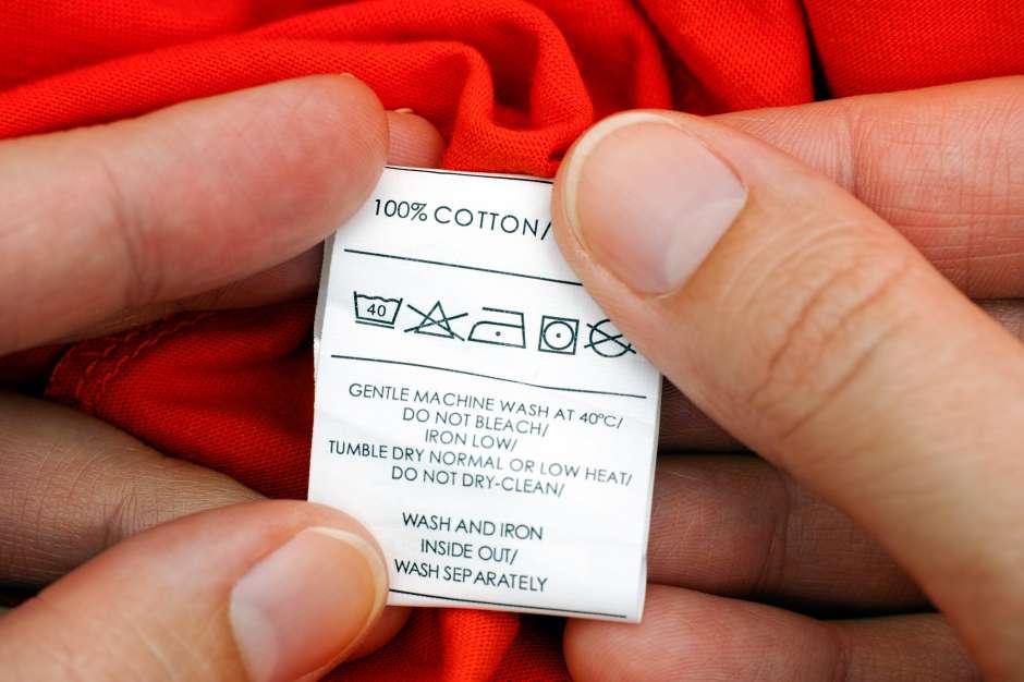 Lee bien la etiqueta de cada pieza de tu ropa para saber cómo cuidarla.