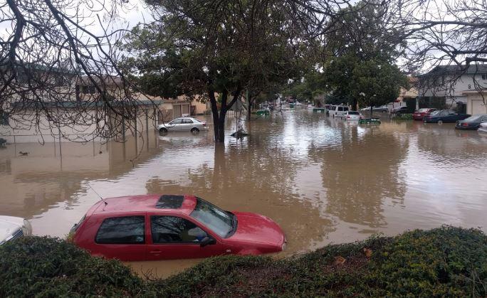 La ciudad de San José declaró un estado de emergencia por las fuertes lluvias.