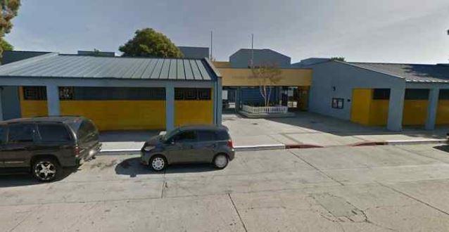 Escuela primaria Montara Avenue en South Gate donde murió la empleada.