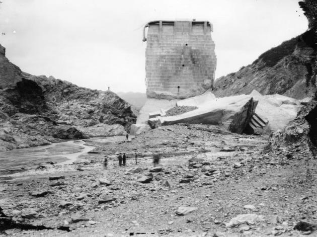 En 1928, la represa St. Francis estalló y provocó cientos de muertes en Los Ángeles.