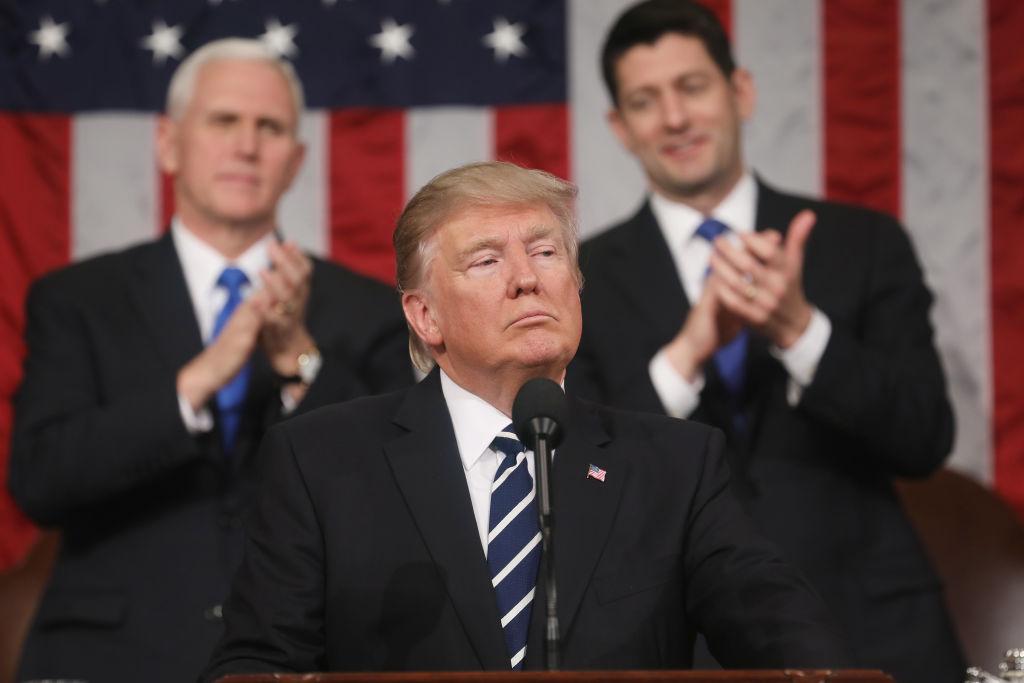 El presidente Donald J. Trump y los baches del Congreso.
