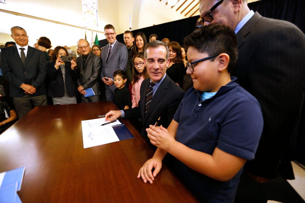 Ningún departamento de la ciudad de Los Ángeles cooperará con Inmigración
