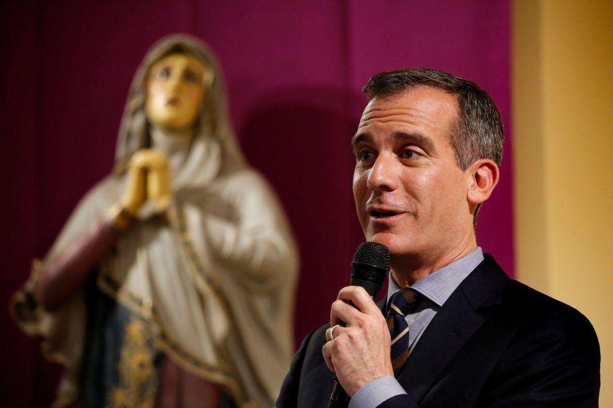 'Conoce tus derechos': taller para inmigrantes toma lugar en iglesia angelina