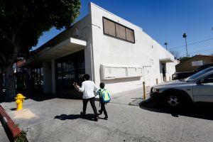Padres exigen el cierre de dispensario de marihuana en El Sereno
