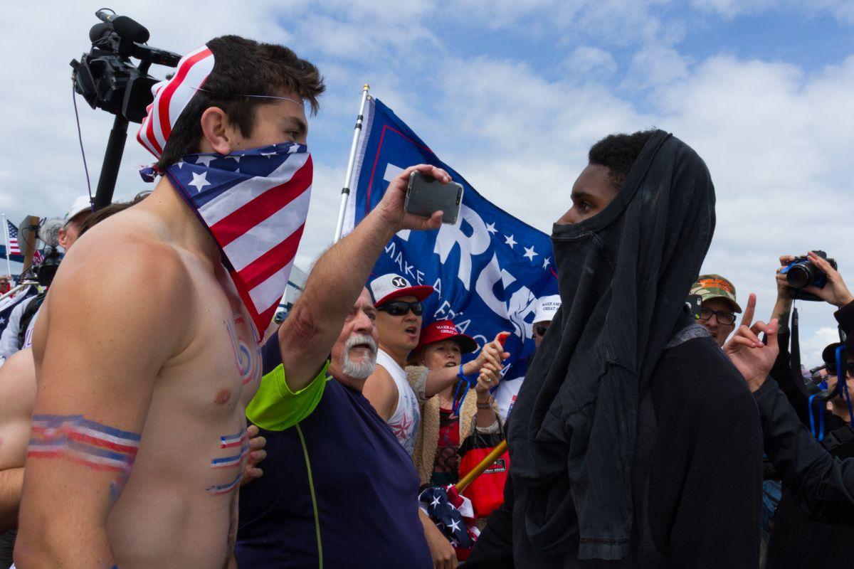 Supremacistas blancos saldrán a las calles de San Frascisco y Berkeley a finales de mes