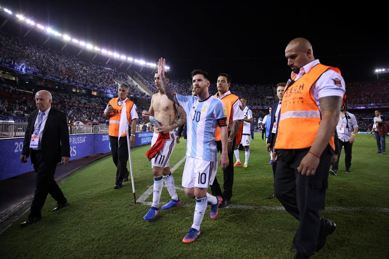 FIFA da castigo ejemplar a Messi por insultar a árbitros