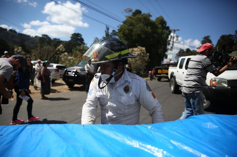 Sube a 20 la cifra de niñas muertas en albergue de Guatemala