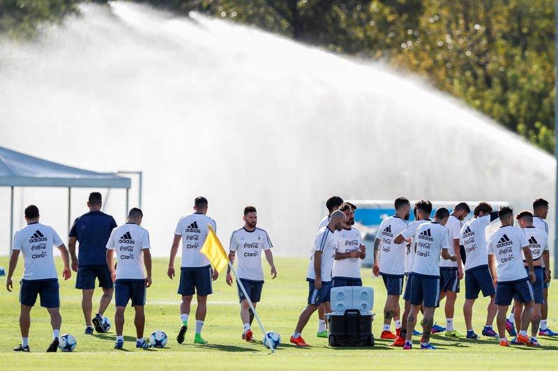 Cumbre en la 'Albiceleste': Messi y Tinelli platicaron por espacio de una hora