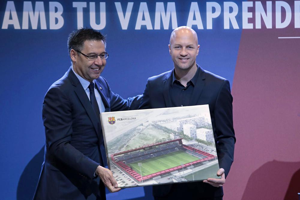 Barcelona anuncia un estadio con el nombre de Johan Cruyff, a un año sin el crack holandés