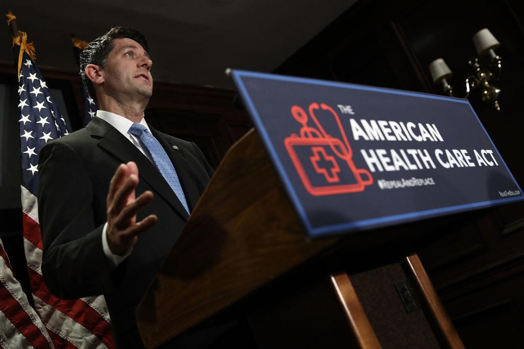 """Activistas advierten: Anulación de """"Obamacare"""" causará estragos en la comunidad hispana"""