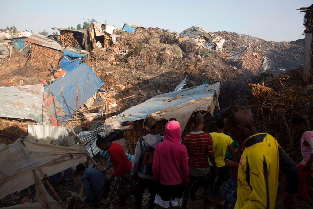 Al menos 46 muertos deja avalancha de basura en Etiopía