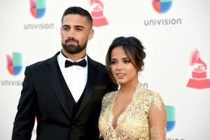 Becky G atribuye buena salud de romance con Sebastian Lletget a raíces latinas