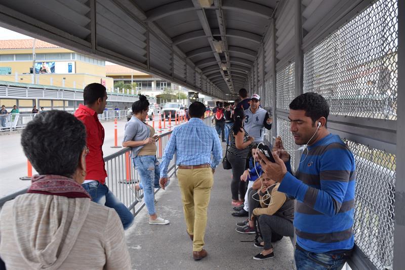 México deporta a 49 migrantes cubanos