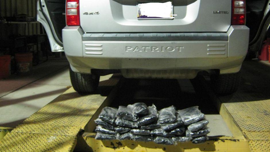 Incautan más de 800 libras de heroína, metanfetamina, marihuana y cocaína en la frontera