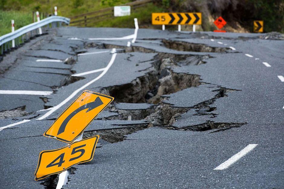 Para evitar accidentes y demoras: Estas son las reglas a seguir cuando conduces por una carretera en construcción