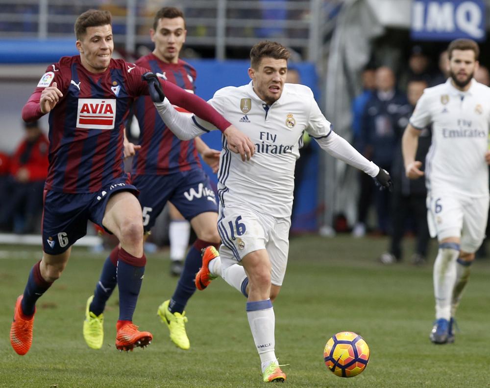 Real Madrid golea a Eibar sin Cristiano Ronaldo ni Gareth Bale y sigue soñando con la Liga de España
